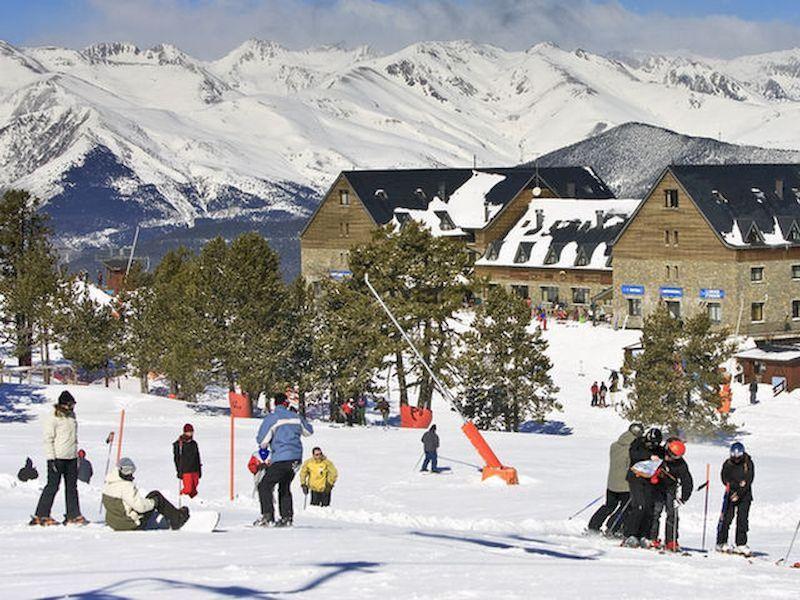 人,滑雪和美好的时光