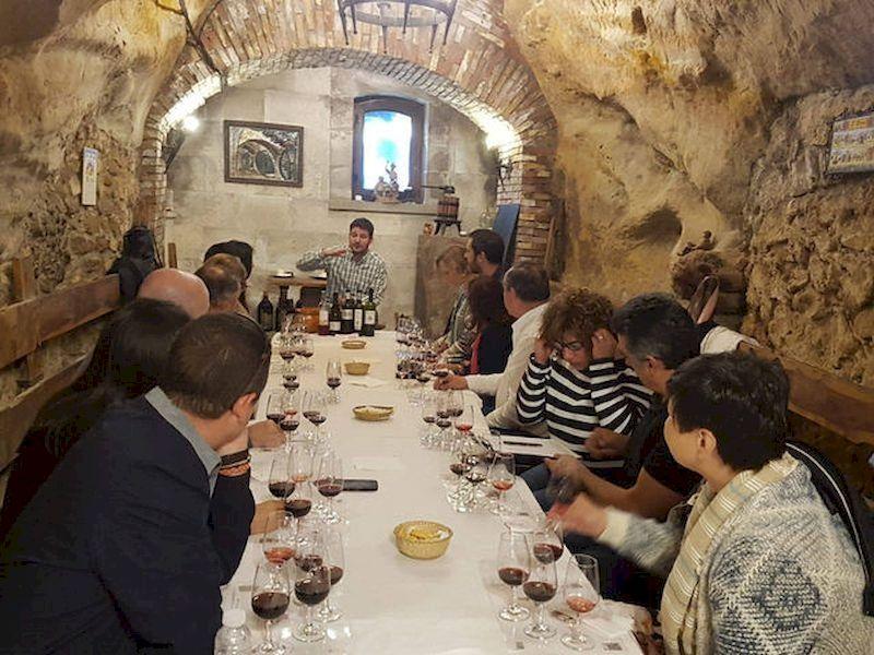 Partecipare a un tour di degustazione di vini