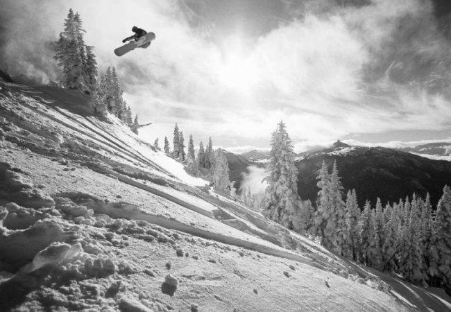 Snowboard en blanco y negro
