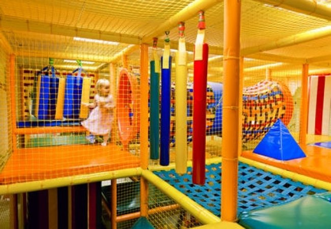Interior del parque infantil